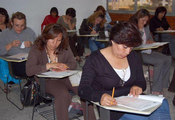 Este 15 de abril comenzará un proceso de preparación de maestros para el examen extraordinario de Evaluación Docente que se aplicará en noviembre. (Milenio Novedades)