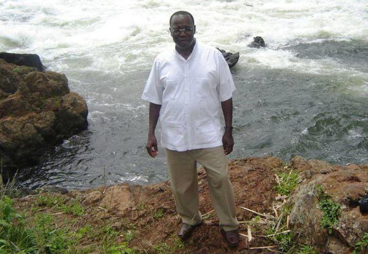 """El sacerdote John Ssenyondo, de origen ugandés, fue """"levantado"""" en Nejapa por un grupo de hombres armados. (Milenio Novedades)"""