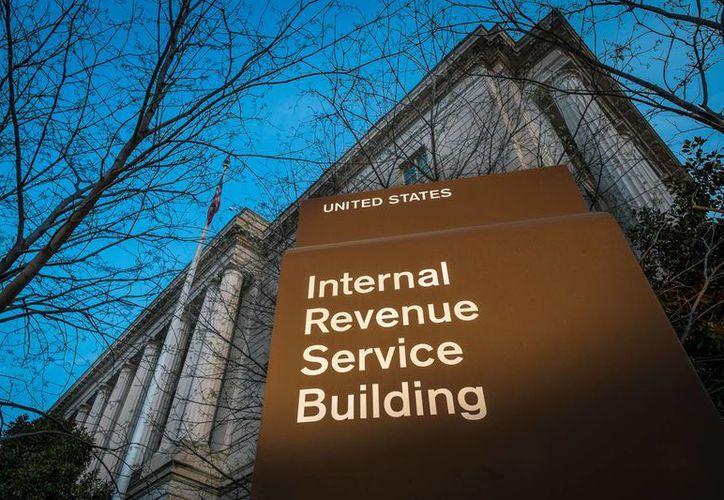 La administración de la IRS notificó a los contribuyentes afectados y les proporciona servicios de supervisión de crédito. Imagen de las oficinas del Servicio de Impuestos Internos de EU. (Archivo/AP)