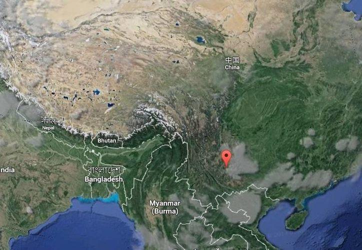 Tras el temblor en Yunnan miles de civiles se apresuraron a correr a lugares abiertos, y se registraron escenas de pánico. (Google Maps)