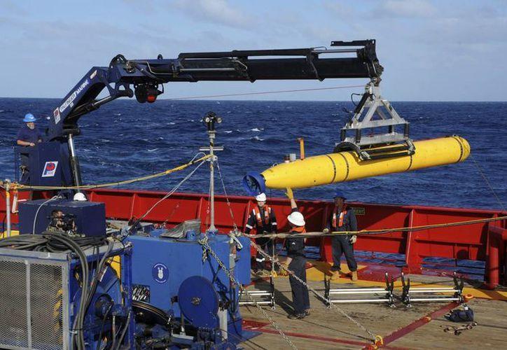 El robot submarino Bluefin-21 ha inspeccionado 400 kilómetros cuadrados del lecho marino sin encontrar algún rastro del avión de Malaysia Airlines. (AP)