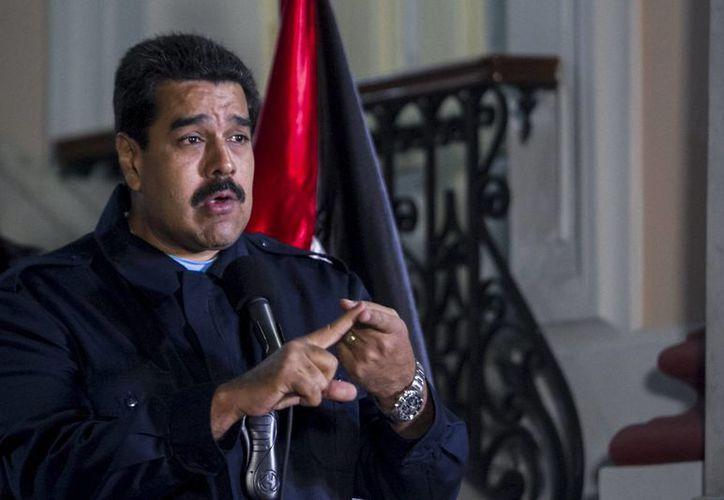 Maduro asegura que está analizando tomar acciones legales contra los medios norteamericanos CNN y El Nuevo Herald por 'envenenar a Venezuela'. (Archivo/EFE)