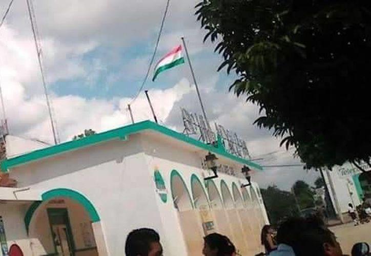 La imagen corresponde al Palacio Municipal de Tahdziú. (Imagen de Facebook)