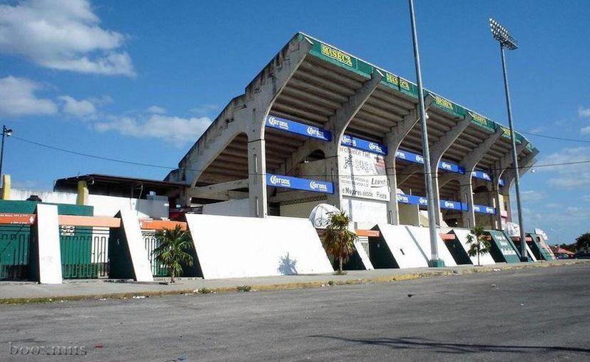 El equipo Leones de Yucatán cuentan con nuevos jugadores y nueva directiva, y nuevo precio de boletos, pero ahora habrá cambios en el estadio Kukulcán. (Milenio Novedades)