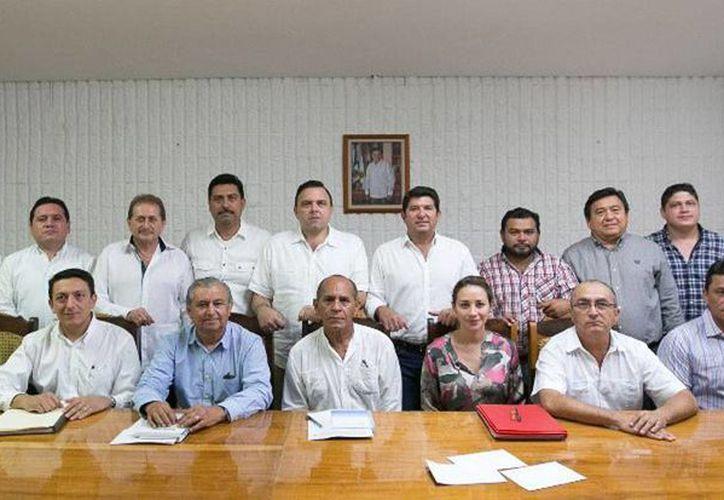 Este jueves entraron en funciones todos los funcionarios que entraron 'al relevo' en el Gobierno del Estado. (yucatan.gob.mx)