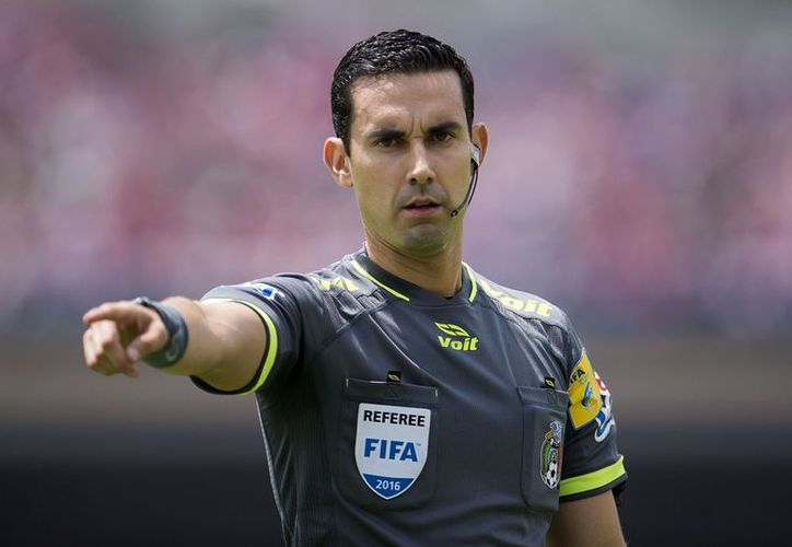 Descartó que un árbitro se ponga nervioso ante un juego de Copa del Mundo. (Contexto)
