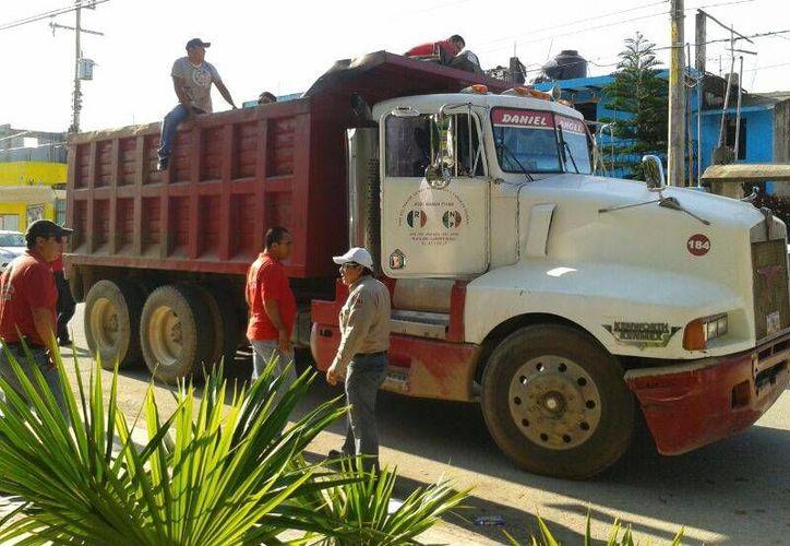 El ayuntamiento de Solidaridad ha eliminado cacharros en 71 mil predios como parte de las campañas de prevención del dengue.  (Redacción/SIPSE)