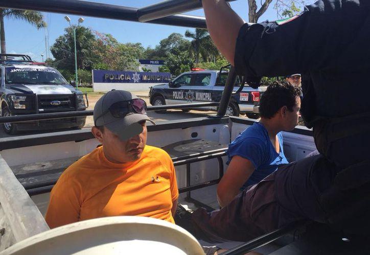 Fueron detenidos en el cruce de la avenida Constituyentes con calle Aruba. (Foto: Redacción SIPSE)