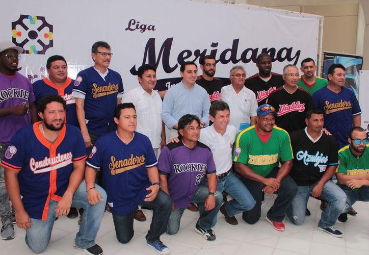 Presentación de la nueva edición Liga Meridana de Invierno. (Foto: Milenio Novedades)