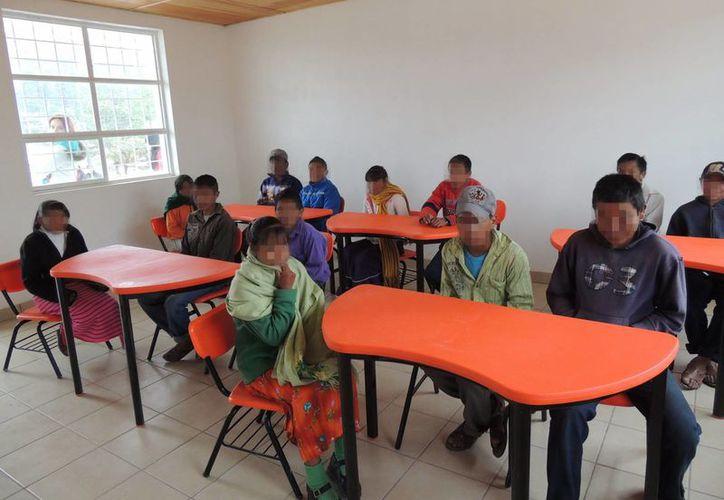 En México, un niño que en estos momentos tiene cinco años probablemente no logre terminar el bachillerato. Imagen de contexto de una escuela rural en Chihuahua. (Archivo/Notimex)