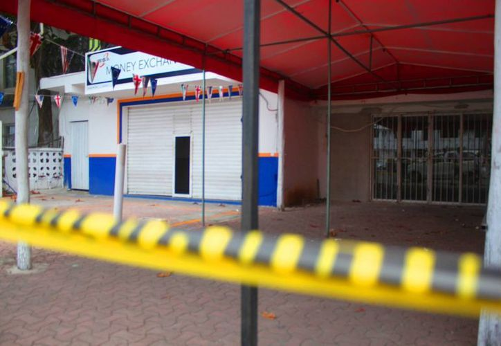 Una casa de cambio, del centro de Playa del Carmen, fue asaltada durante la madrugada del miércoles. (Daniel Pacheco/SIPSE)