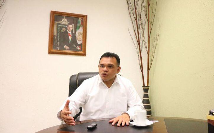El gobernador de Yucatán, Rolando Zapata, resaltó el legado de estrategias económicas, de seguridad y de combate contra la pobreza que dejará. (José Acosta/SIPSE)