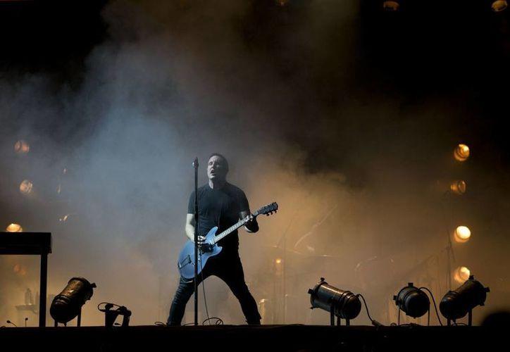 Trent Reznor, vocalista de Nine Inch Nails en el escenario del Vive Latino 2014. (Agencias)