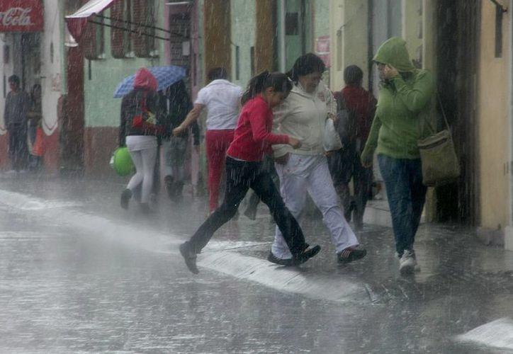 Prevén intensas lluvias para los estados de Oaxaca, Guerrero y Chiapas. (Agencias)