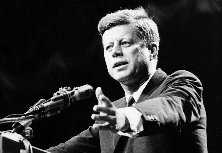 Kennedy fue ultimado el 22 de noviembre de 1963 en Dallas, Texas. (furiousmiles.com)