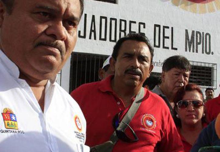 Agremiados a la Confederación de Trabajadores de México (CTM) en Othón P. Blanco tomaron las instalaciones. (Ángel Castilla/SIPSE)