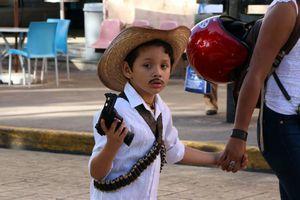 'Revolucionario' desfile de niños con capacidades diferentes