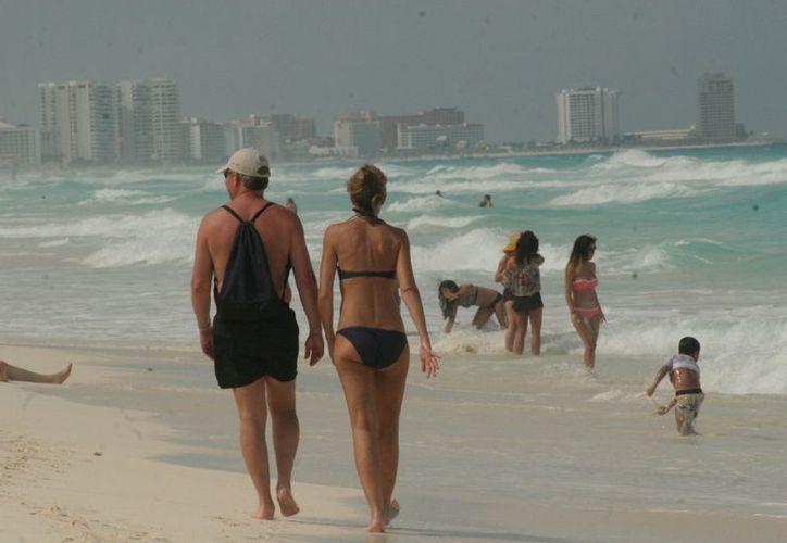 El sector turístico de Cancún reconoció la baja del turismo español debido a la crisis. (Jesús Tijerina/SIPSE)