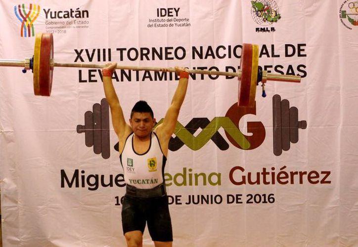 Pesistas de Yucatán ganaron 20 medallas en el Campeonato Nacional de levantamiento de pesas celebrado en el Multigimnasio del Complejo Deportivo Kukulcan. (Milenio Novedades)