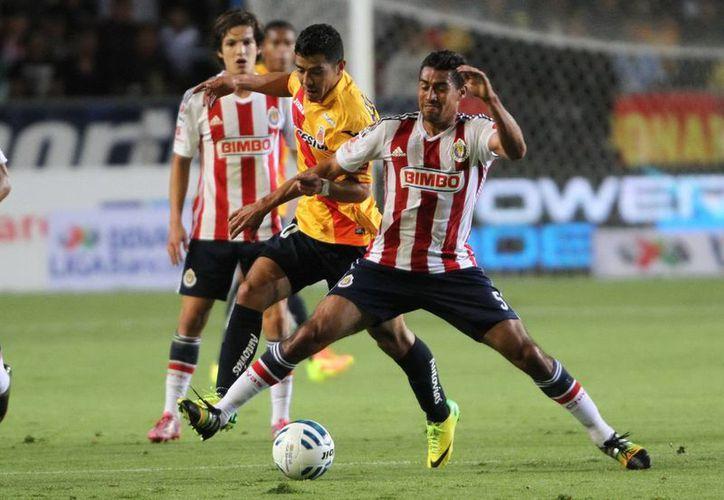 Chivas, que lucha por no descender en Liga Mx, pasó apuros en Copa MX ante Dorados. (Foto de contexto de Notimex)
