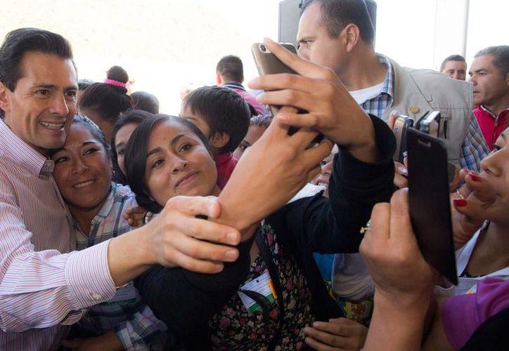 Peña Nieto visitó Valle de Chalco para entregar la modernización de la México-Puebla. (Presidencia)