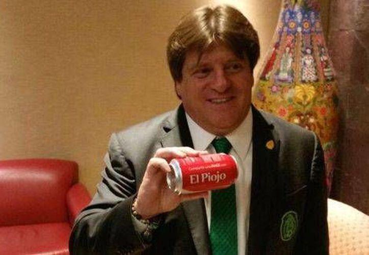 Coca-Cola diseñó una lata personalizada para Miguel 'El Piojo' Herrera. (Twitter)