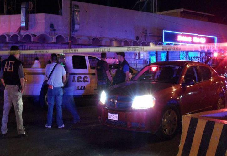 Hombres armados entre la multitud se dirigieron a un solo hombre y lo mataron afuera del bar Matehuala en Monterrey. (info7.mx/Foto de archivo)