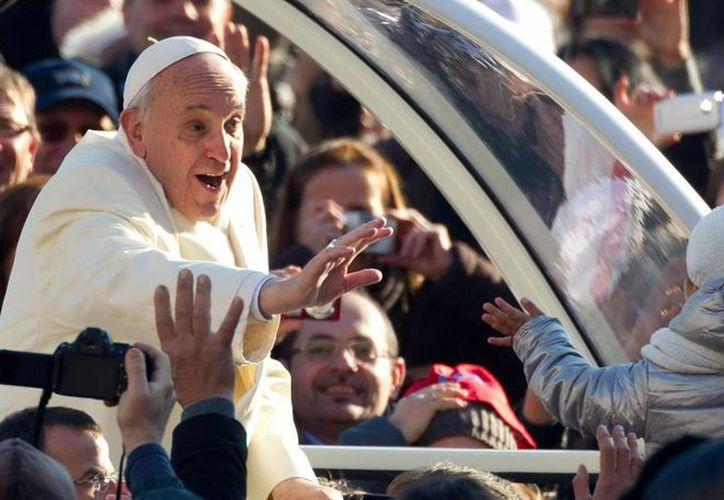 El Papa concluyó pidiendo por todos los hermanos y hermanas de toda América, y rogándoles que recen por él.  (EFE)