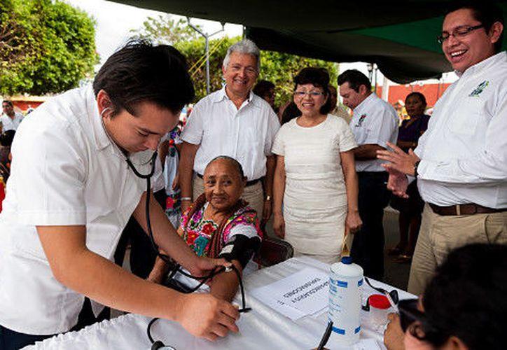 En Yucatán, el Gobierno del Estado destinó para salud tres millones de pesos, de casi 40 mil millones de pesos destinados para 2017. (SIPSE)