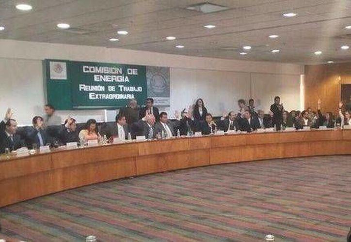 La Comisión de Energía de la Cámara de Diputados aprobó en lo general el cuarto dictamen energético. (Foto tomada de Twitter / @MarcoBernalG)