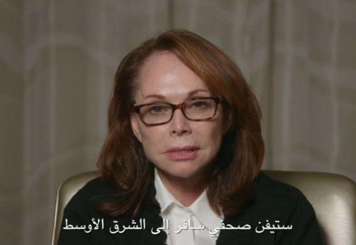 Captura del video difundido este miércoles, en el que la madre en el que Shirley Sotloff pide a quienes tienen en su poder a su hijo Steven que respeten su vida. (Foto: AP)