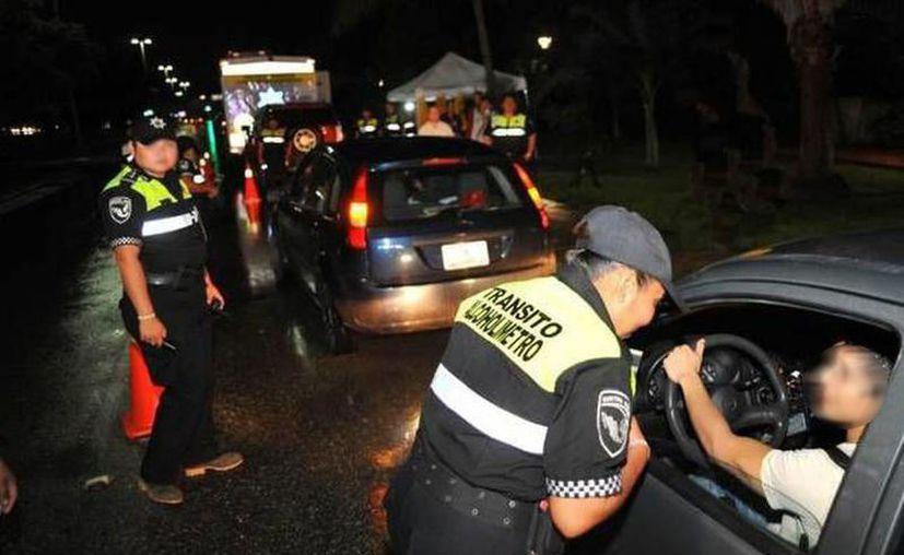 La SSP exhorta a las personas para que no conduzcan si han ingerido bebidas alcohólicas. (Archivo/Novedades Yucatán)