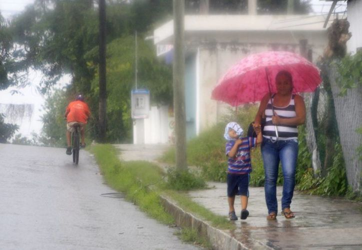Desde la tarde de ayer, las condiciones climatológicas empezaron a cambiar en la capital del estado. (Harold Alcocer/SIPSE)