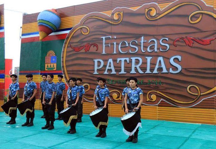 """Las actividades se desarrollaron en el escenario al aire libre del """"Parque Quintana Roo"""". (Cortesía/SIPSE)"""