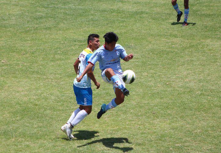 El equipo de Campeche llegó con ventaja de 1-0 en el marcador global, ya que había sacado la victoria la semana pasada, en la ida. (Miguel Maldonado/SIPSE)