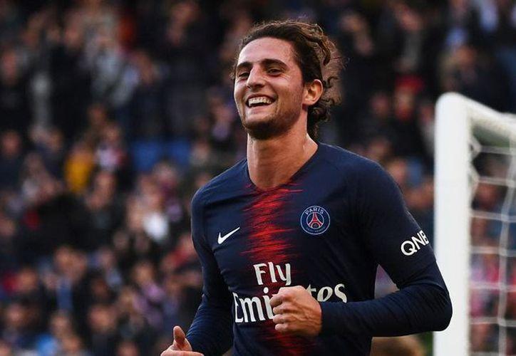 El jugador llegaría del club más poderoso de la Liga francesa, el PSG. (Fox Sports)