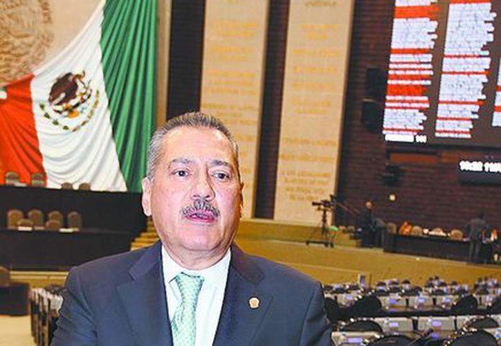 Manlio Fabio Beltrones, coordinador de los diputados del PRI, pide votar antes del 30 de abril. (Milenio)