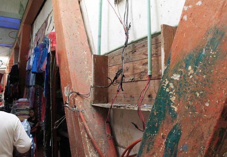 Los mercados públicos municipales de Chetumal, requieren reparaciones en las instalaciones hidráulicas y eléctricas. (Harold Alcocer/SIPSE)
