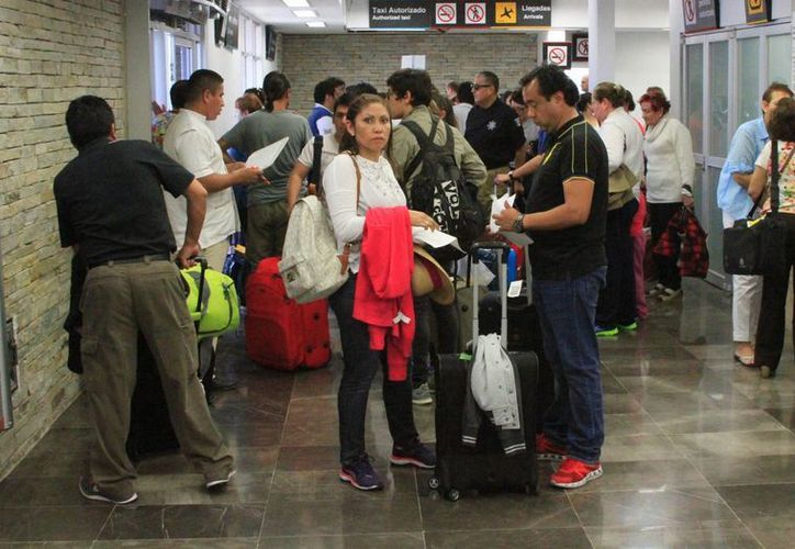 El Aeropuerto de Chetumal registró afluencia de 170 mil pasajeros en este fin de año. (Ángel Castilla/SIPSE)