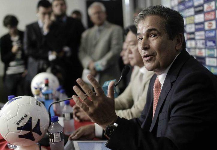 Pinto hubiera podido seguir como entrenador de Costa Rica, pero hizo algunas peticiones que no le pudieron cumplir. (EFE)