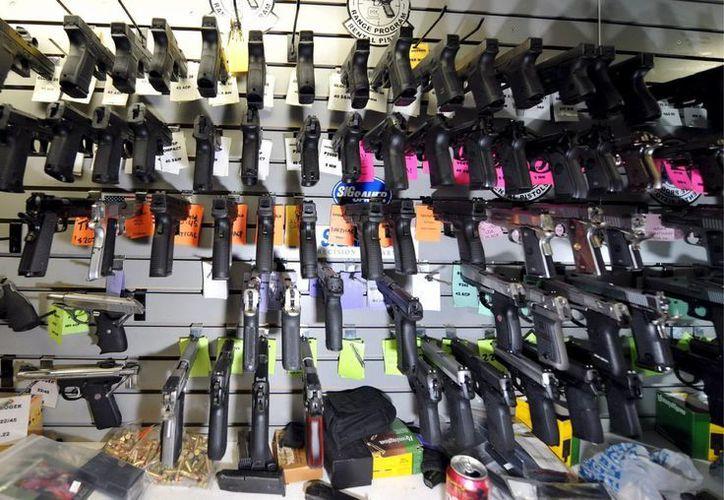 En el estado de Texas se han expedido 5,680 licencias para la venta de armas, pero solamente existen 877 bibliotecas. (Archivo/SIPSE)