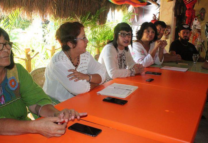 Ofrecieron una conferencia de prensa los ambientalistas. (Adrián Barreto/SIPSE)