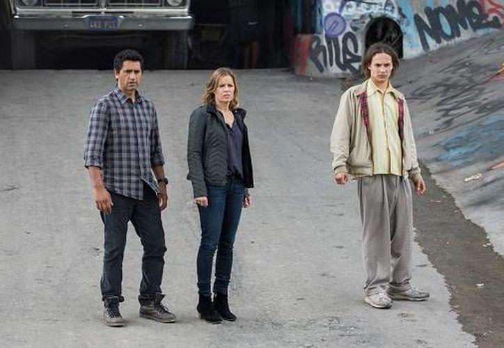 Tras la publicación del primer avance de 'Fear the walking dead', solo falta el estreno de la serie, en agosto. (undeadwalking.com)