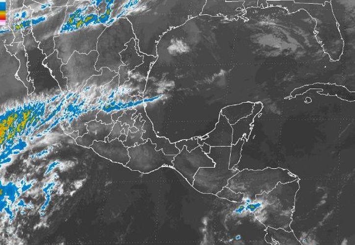 ara hoy se espera un cielo parcialmente cubierto en Chetumal.