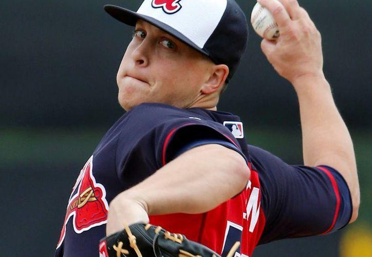Lo que más preocupa en la MLB es que varios de los pitchers van por su segunda cirugía de codo, como es el caso de Kris Medlen de los Bravos de Atlanta. (Agencias)