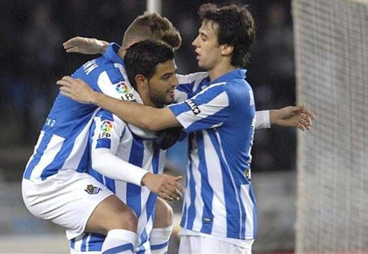 El 'bienquerido' Vela... Según su representante, el delantero mexicano es considerado un 'as' en España. (goal.com)