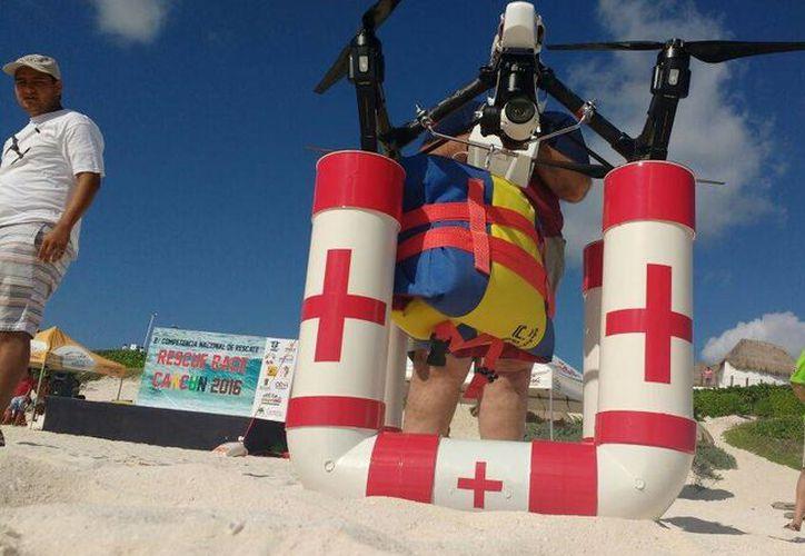 El Dron que serviría para los rescates acuáticos. (Eric Galindo/SIPSE)