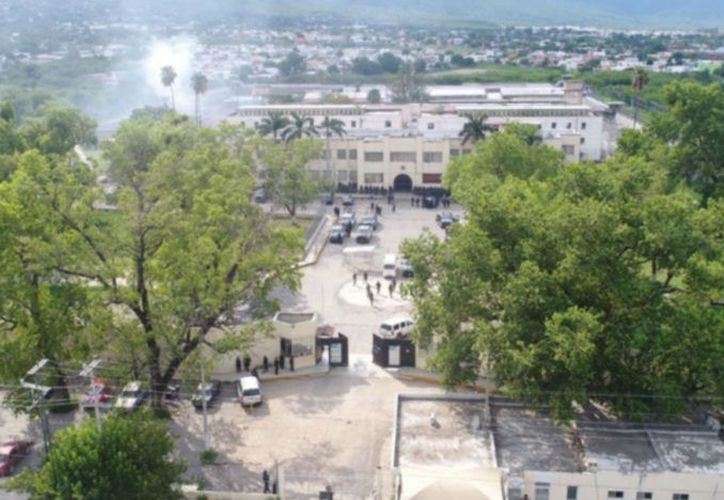 Un enfrentamiento en la cárcel de Ciudad Victoria dejó como saldo tres policías y un interno muertos. (Proceso)