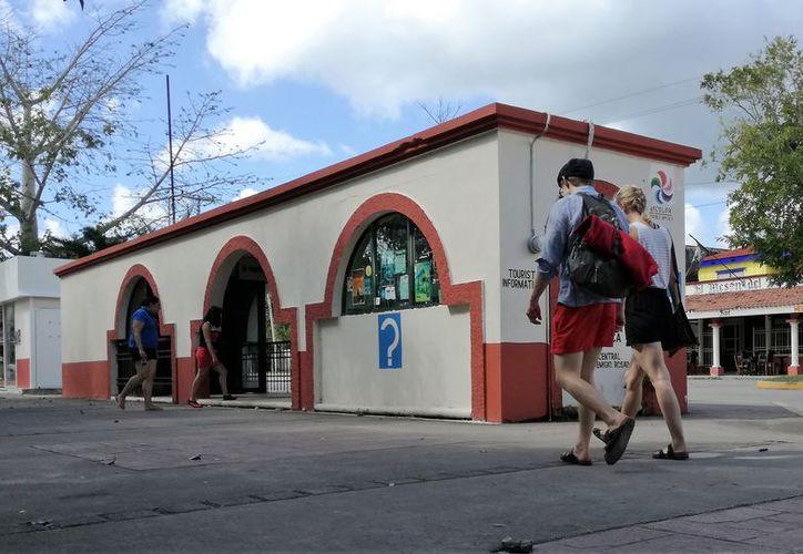 Desde hace cuatro años las tarifas de hospedaje en Bacalar mantienen los mismos precios y podrían aumentar. (Foto: Javier Ortiz/SIPSE)