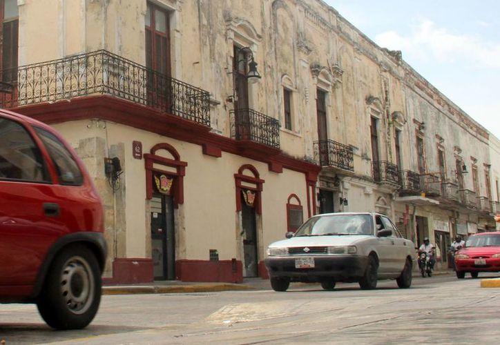 El Tsuru, de Nissan, es uno de los vehículos más vendidos en México... y según Latin Ncap, es de los más inseguros. (Foto: Christian Coquet/SIPSE)